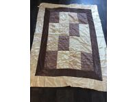 Bed throw, size 214 cm x 154 cm , see photos . £4 ..................................................