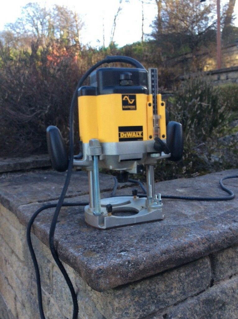 Dewalt router dw625ek bought new and never used in gourock dewalt router dw625ek bought new and never used keyboard keysfo Choice Image