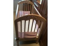 Cosatto cot and full breathable cot bumper in really good condition
