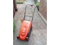 Flymo 330 compact lawn mower