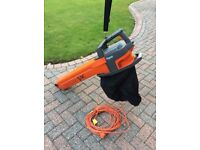 FLYMO GARDEN VAC, LITTLE USED IN ORIGINAL BOX, 3 in 1 VACUUM,BLOW AND TURBO, GREAT COND. 16m CABLE
