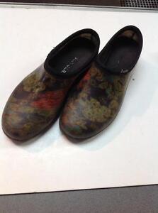 Sloggers Waterproof Comfort Shoes (SYVH3U)