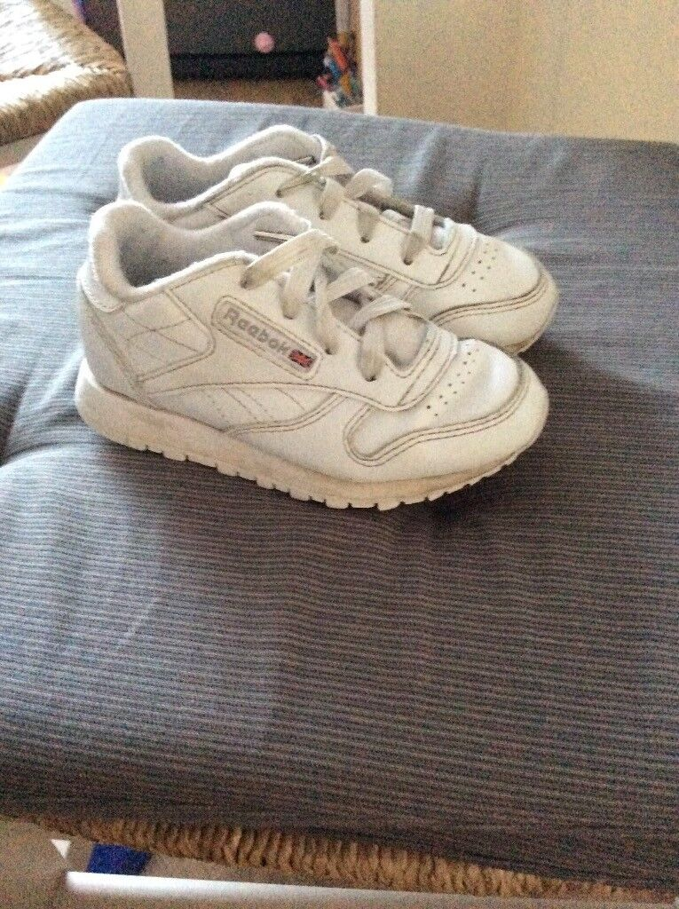 4b836b2d93c8 REEBOK WHITE TRAINERS SIZE 8 used very good condition
