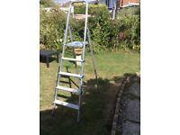 Metal step ladder 4 treads