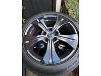 Renault Megane 17 inch alloys and tyres