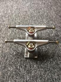 Skateboard trucks Venture 525 (pair)