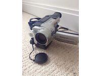 Sony Handycam CCD-TRV218 E Hi8 Video Camera With Night Vision