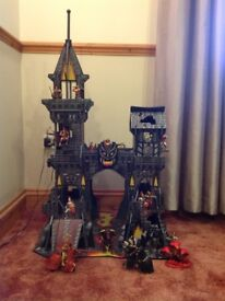 Early learning centre very large Tower of Doom wooden castle and 18 large assorted figures