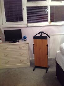 Trouser press in excellent condition