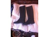 riding boots (size 5)