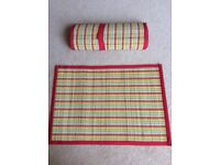 Placemats 8 bamboo, rolled up when not in use. Great condition