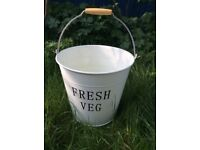 Lovely enamel garden pail/ bucket. Excellent condition.
