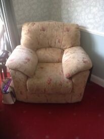 Very comfy vgc 3 seater settee and matching arm chair for sale. Fire retardant