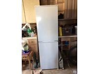 Whirlpool fully integrated fridge freezer in glazier white. A+ rated. VGC