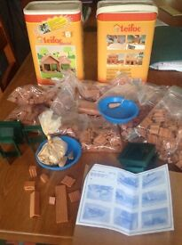 Teifoc Building Set with real bricks, tiles and play cement.
