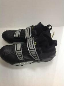 Shimano Goretex Cycling Shoes with Clips (42YPZ3)