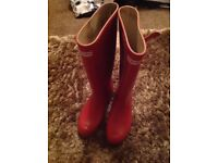 Ladies HUNTER wellies size 7 RED Tall style in original box