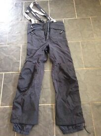 SKI/SNOWBOARD SALOPETTES SIZE LARGE - AS GOOD AS NEW
