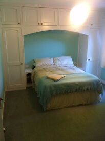 Double room available in Peaceful cottage, Alyth