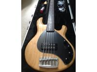 Musicman stingray 5 bass