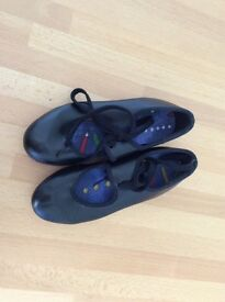 Tap shoes - size 10 - hardly worn £7