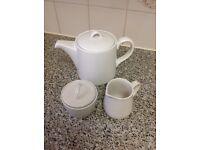 sainsbury Teapot with sugar and milk set. brand new.