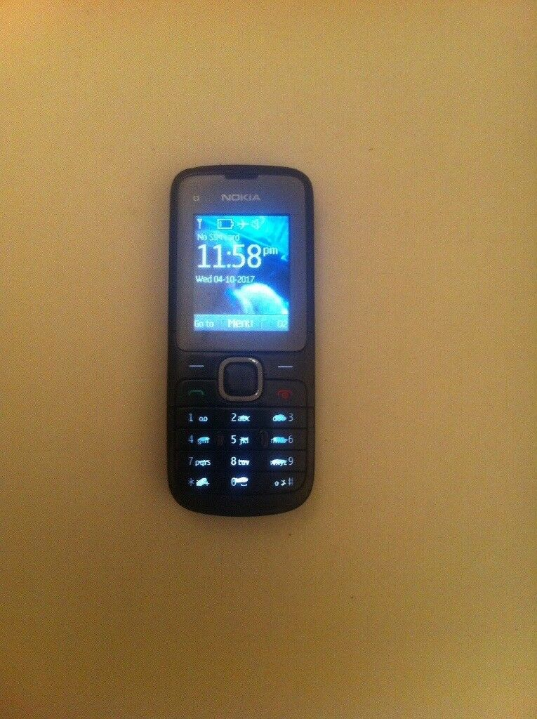 Nokia c1 mobile phone fully working order on (02)