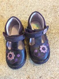 Clarks toddler shoes size 4 1/2G