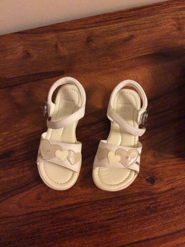 Clarks hazy rise girls white leather sandals size UK 12.5F brand new