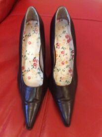 Brown real leather shoes size 6