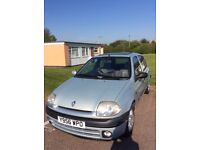 Renault Clio Initiale 16V, automatic, excellent condition, sunroof, electric windows, leather seats