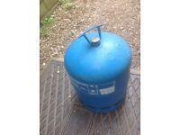 907 bottle camping gaz /full