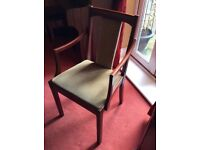 Dining Chairs - 4 chaise, 2 carvers