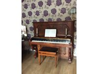 H.kohl upright piano in beautiful condition