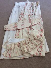 This pair of Marks and Spencer's curtains, used in very good condition, with valance and tie backs