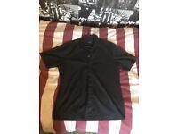 Hugo Boss Men's Black shirt size M