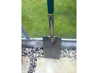 large garden digging spade in vgc