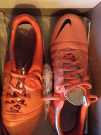 MENS NIKE LEATHER FOOTBALL BOOTS SIZE 8