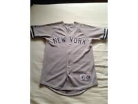New York Yankees Baseball Jersey - size Small