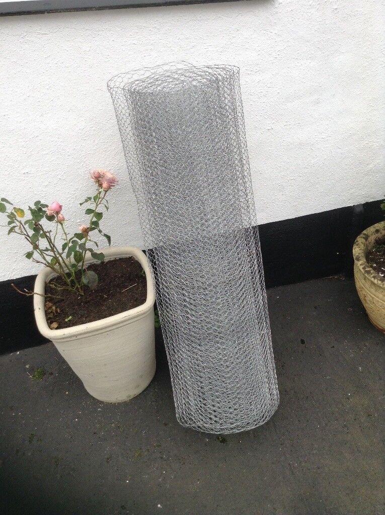 Wire netting chicken/rabbit galvanised garden fence mesh. 7metres X 1 metre.
