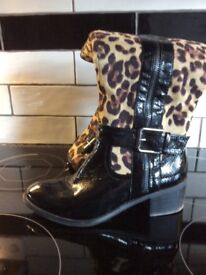 Beautiful ladies print boots