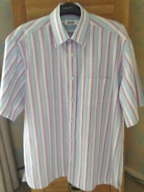Men's Clothing Pastel Stripe Short Sleeve Shirt Size Medium NEW