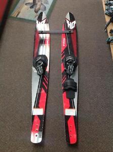 Pinnacle 61 water skis - red/black (sku: Z14316)