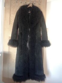 Vintage midi suede ladies coat Size 8. Wonderful condition . Hardly worn