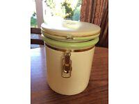 Attractive Ceramic Storage Jar 18cm tall and 15cm diameter