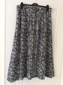 Ladies Maxi Skirt BNWT