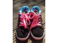 Heelys - Girls Propel UK size 5 in black and pink