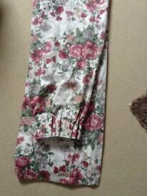2 PAIRS LOUNGE FLORAL CURTAINS - LINED