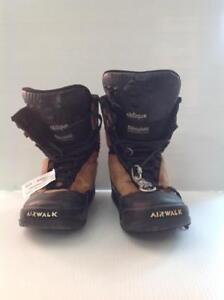 Oblique Airwalk Snowboard Boots (NEH8V4) - Used