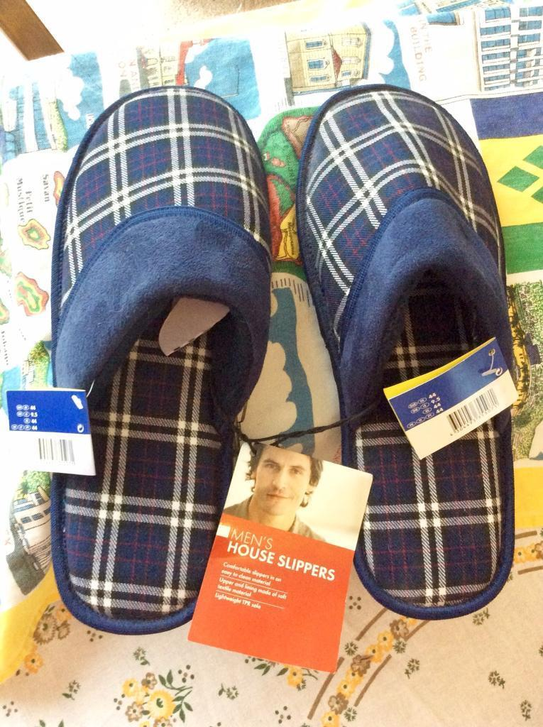MENS SLIPPERS SIZE 9 1/2